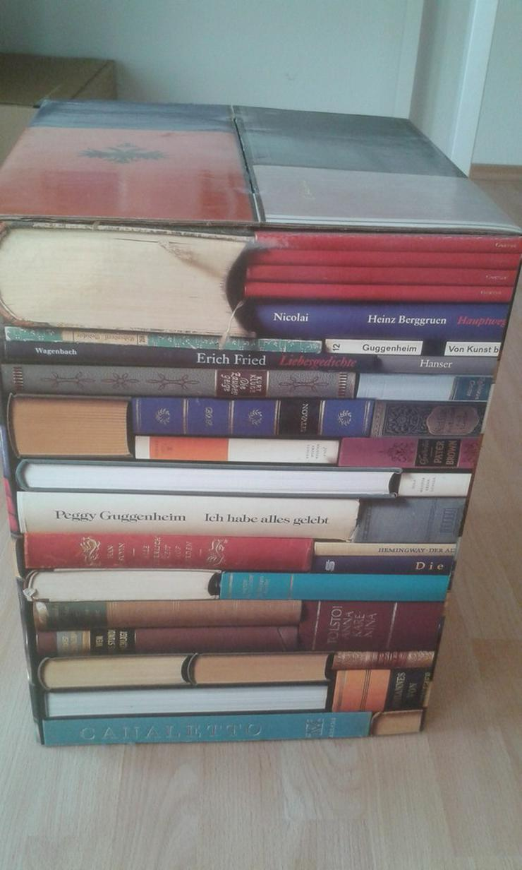 Papphocker Books