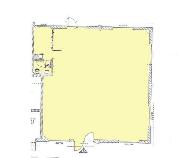 Bild 4: Lebhafter Standort: Nahversorgungs-Fläche