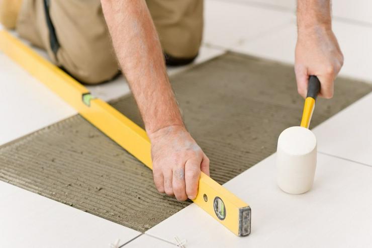 Bild 2: Handwerker, Fliesenarbeiten  TERMINE FREI !!!