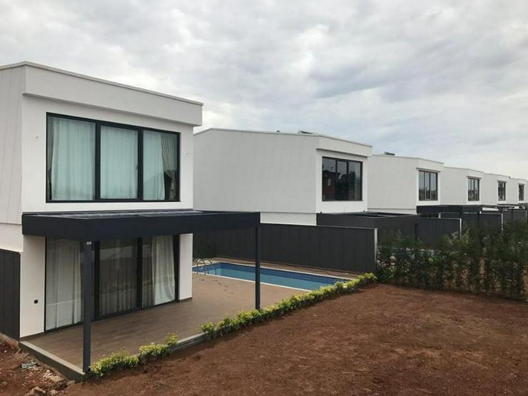 Ihre Luxusvilla mit Privatpool, Garten u.v.m. unter südlicher Sonne - Neubau