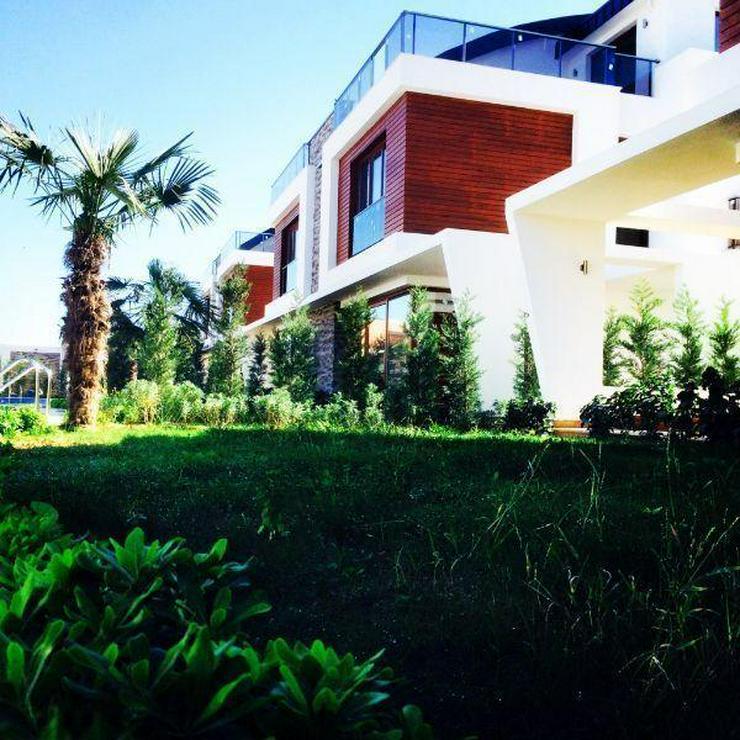 300 m2 Doppelhaushälfte in einer neu erstellten Villenanlage