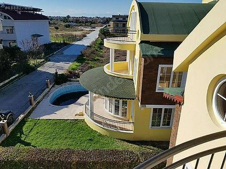 Bild 3: Villa mit Privatpool & Garten in Strandnähe....