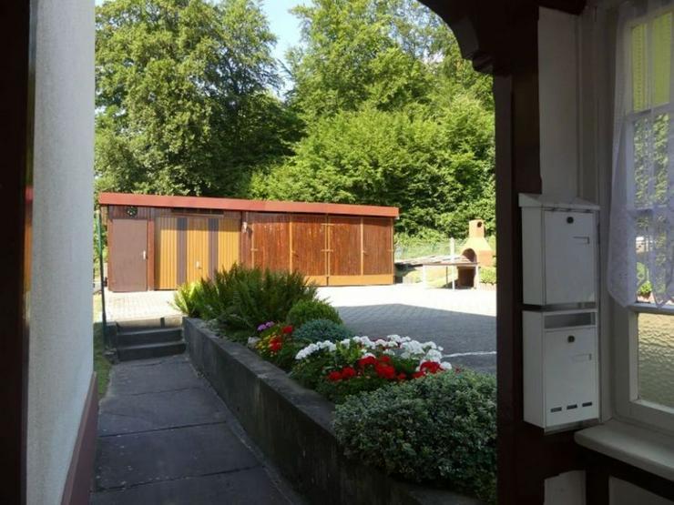 Bild 4: Mehrfamilienhaus mit schöner Aussicht in Ortsrandlage mit weitläufigen Baugrundstück