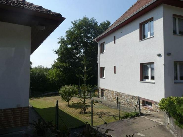 Bild 3: Mehrfamilienhaus mit schöner Aussicht in Ortsrandlage mit weitläufigen Baugrundstück