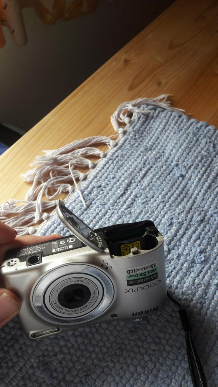 Bild 4: Nikon Coolpix L25 Digitalkamera in silber