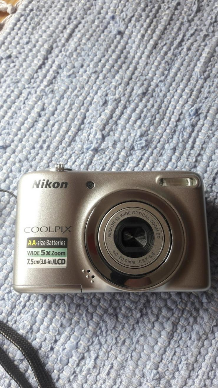 Bild 5: Nikon Coolpix L25 Digitalkamera in silber
