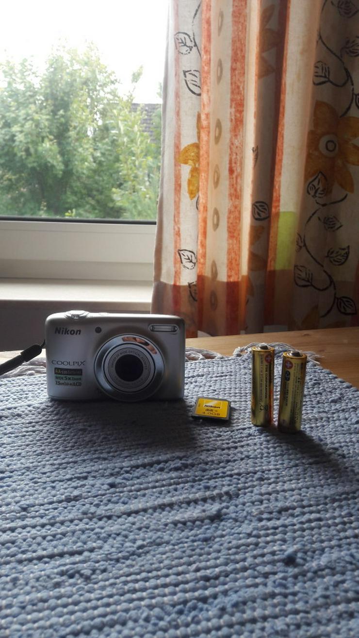 Bild 6: Nikon Coolpix L25 Digitalkamera in silber