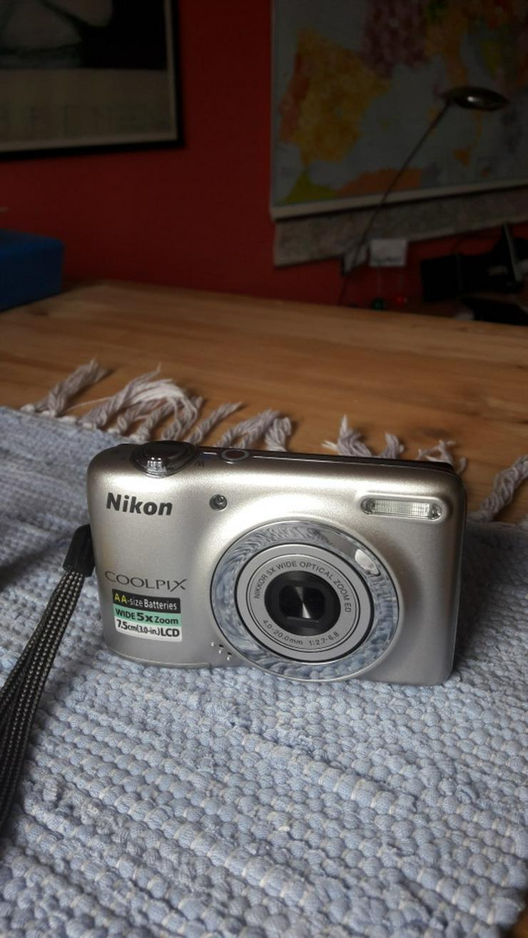Nikon Coolpix L25 Digitalkamera in silber