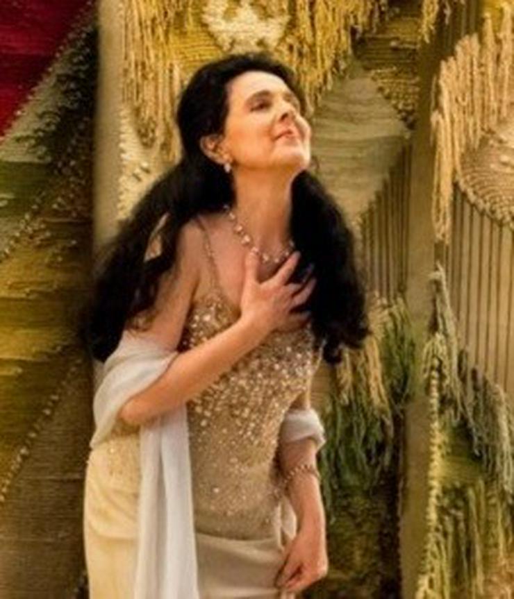 Opernsängerin gibt Gesangsunterricht