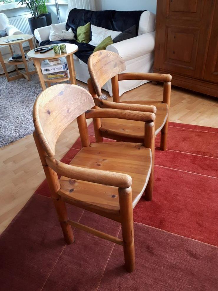 Bild 4: 2 Vollholzstühle mit Armlehne