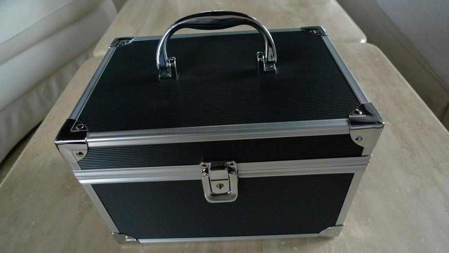 Kosmetik-Koffer - Cremes, Pflege & Reinigung - Bild 1