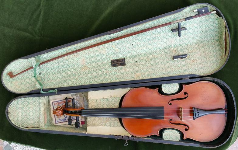 Bild 5: Alte Geige