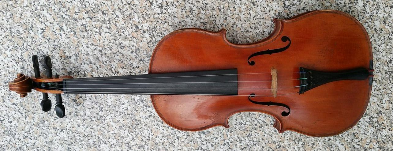 Bild 3: Alte Geige