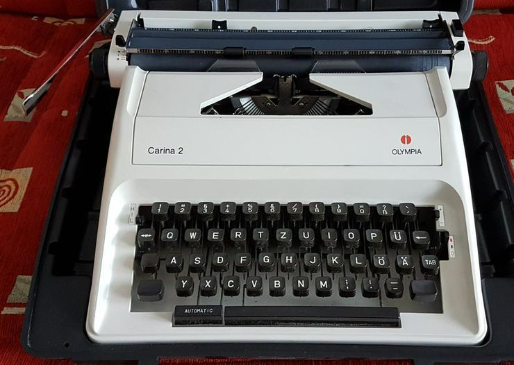 Koffer-Schreibmaschine Olympia Carina 2
