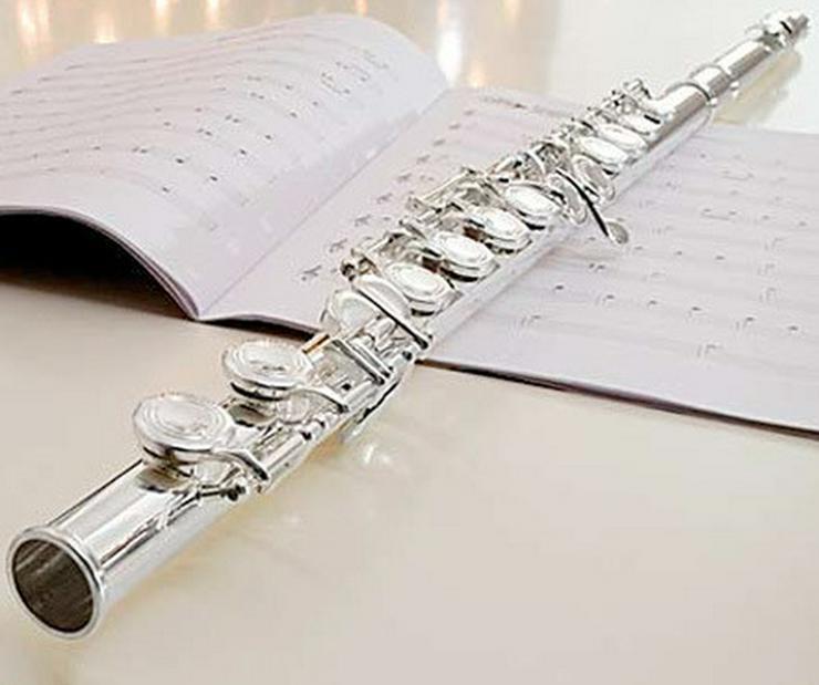 Examinierte Musikpäd. gibt Querflötenunterricht