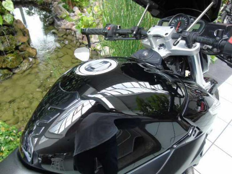 Bild 5: SUZUKI GSR 600 ABS