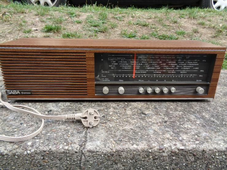Altes Transistor Radio Saba Donau