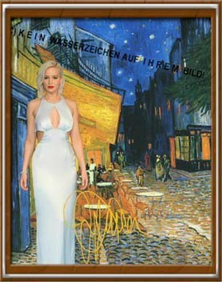 Bild 2:  JENNIFER LAWRENCE in van Gogh`s Nachtcafé in Arles.