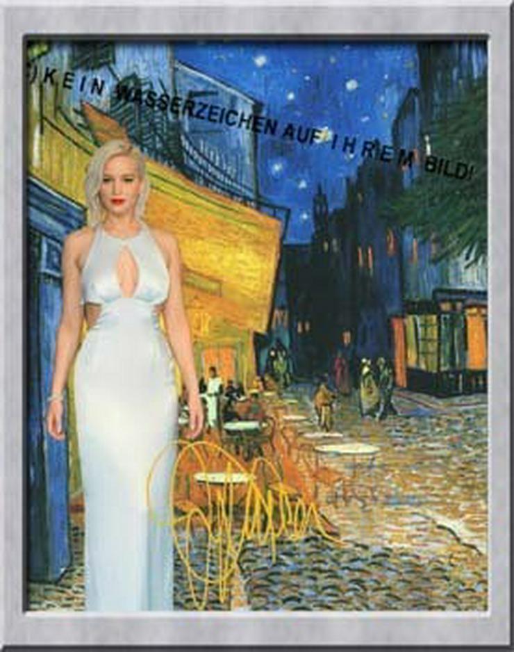 Bild 6:  JENNIFER LAWRENCE in van Gogh`s Nachtcafé in Arles.