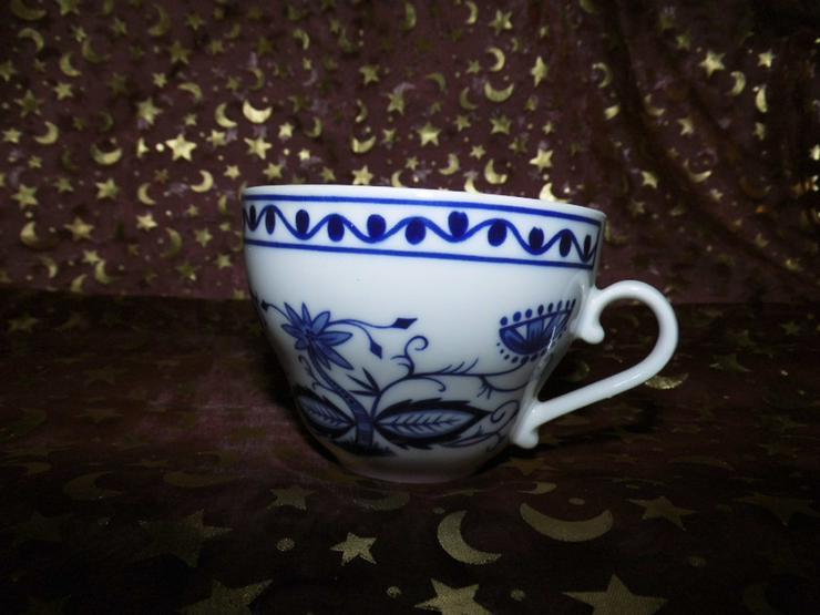 Bild 3: KAHLA 3tlg. Kaffeegedeck, DDR / Zwiebelmuster