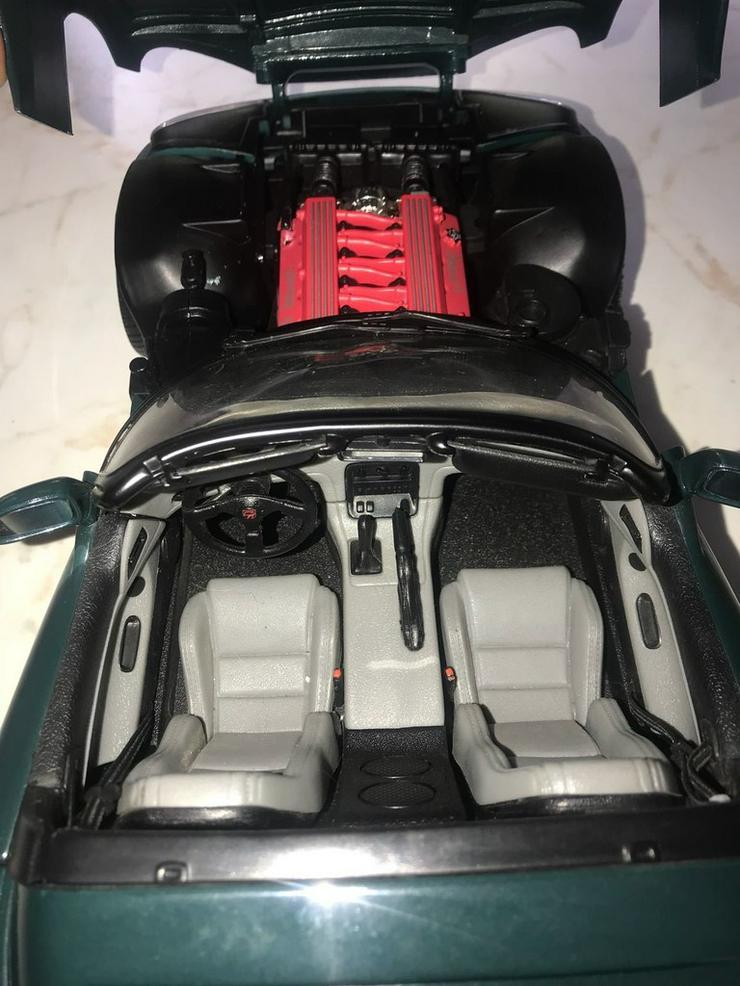 Bild 6: Dodge Viper RT 10 - Airbrush 1:12 limitiert