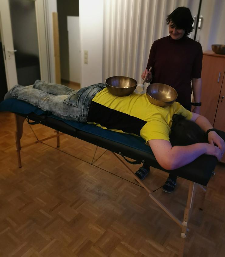 Bild 2: Klangmassage