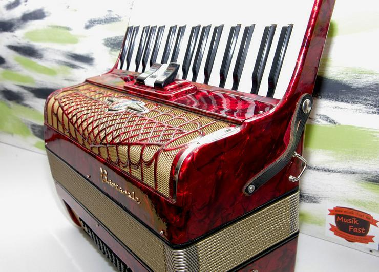 Bild 4: Akkordeon Barcarole 72 Bass rot -- neuwertig