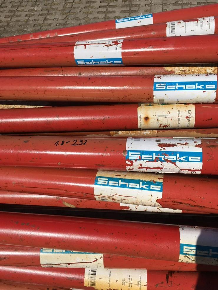 Bild 3: 49 St. Schake Schrägstützen Stützen