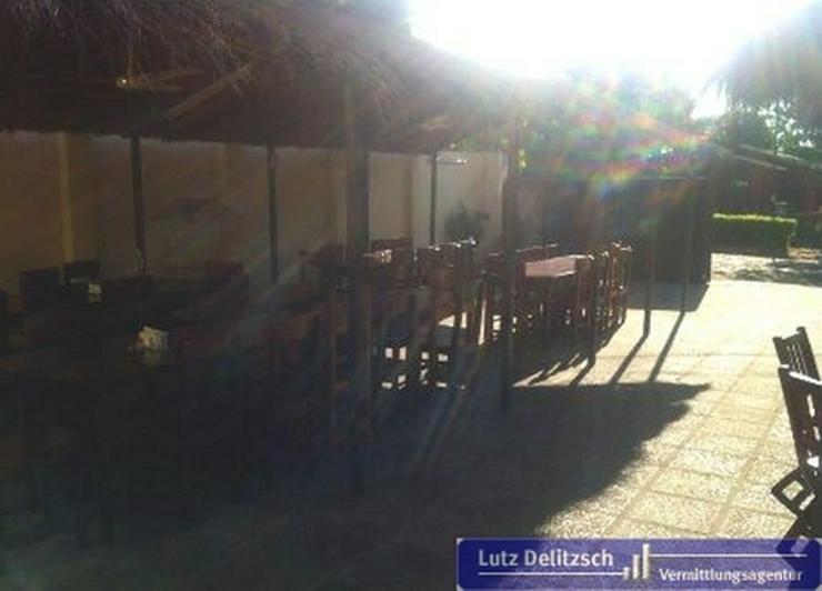 Bild 3: Restaurant mit Biergarten und Wohnhaus