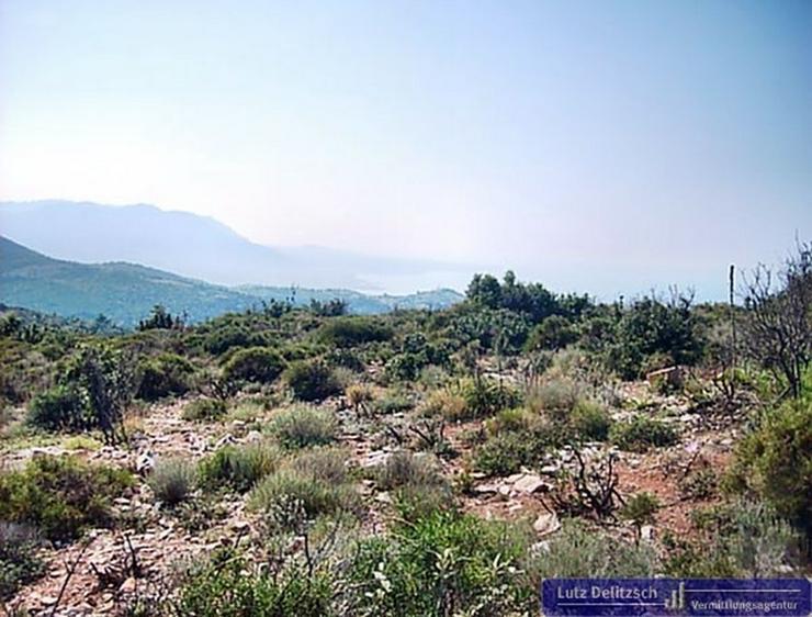 Bild 3: Baugrundstück mit Meer- und Bergsicht, auch teilbar