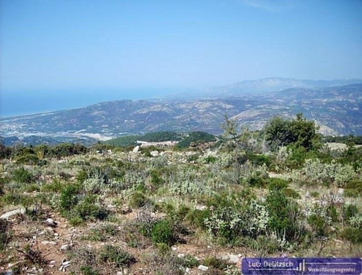 Bild 6: Baugrundstück mit Meer- und Bergsicht, auch teilbar