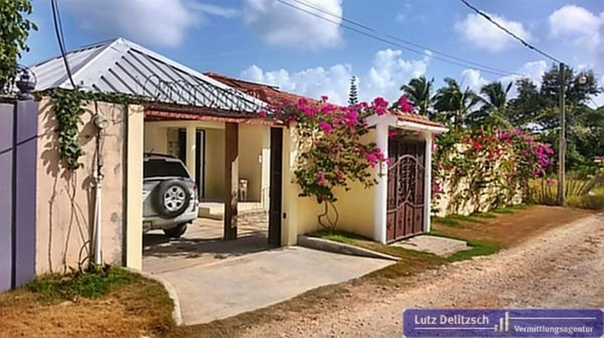 Haus mit Pool in ruhiger Lage - Haus kaufen - Bild 1