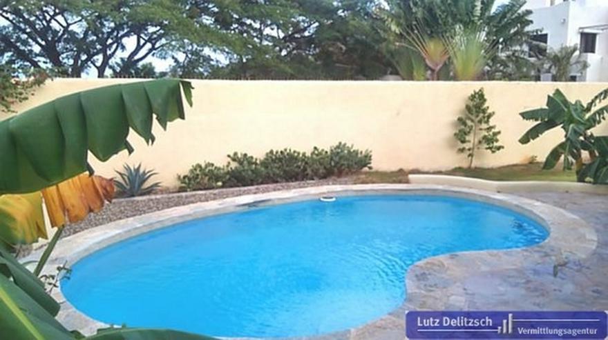 Bild 6: Haus mit Pool in ruhiger Lage