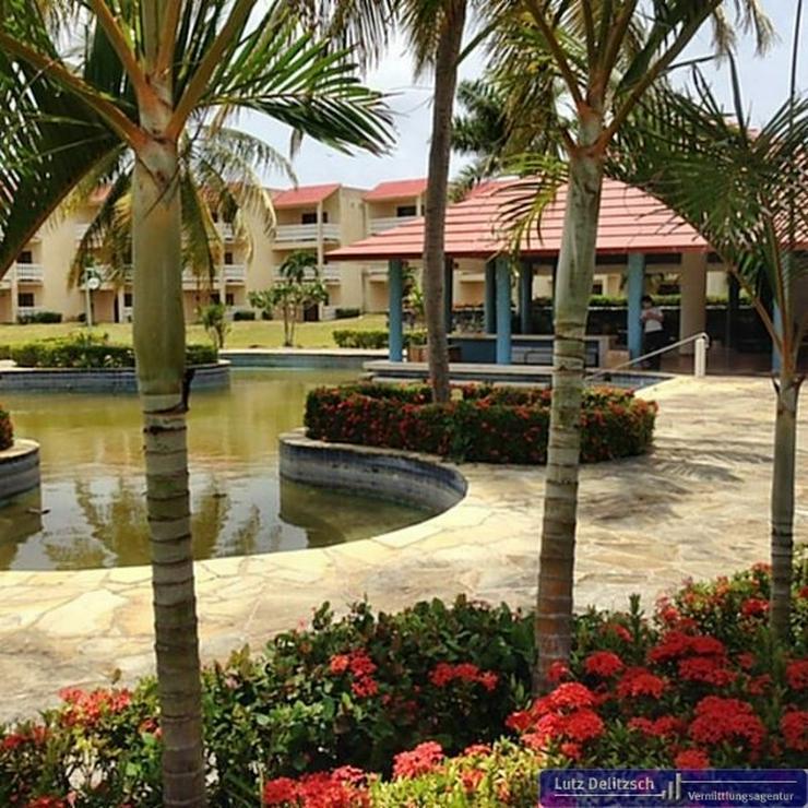 Bild 3: Hotelanlage direkt am Meer