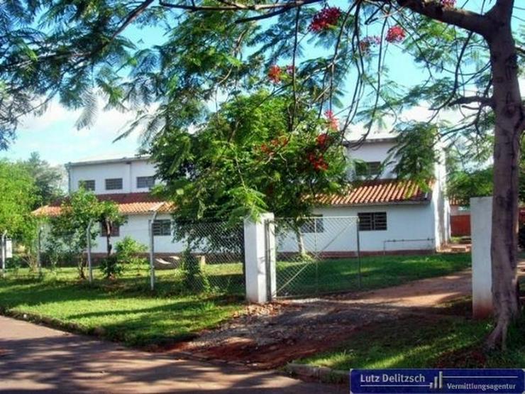 Grundstück inkl. Fabrikgebäude in guter Lage - Grundstück kaufen - Bild 1