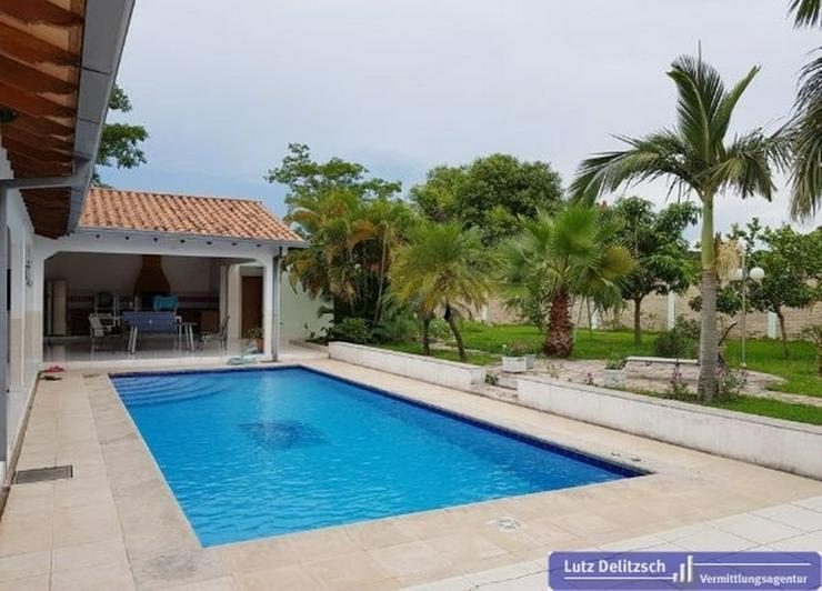 Exklusive Villa mit Pool in einem Golfclub