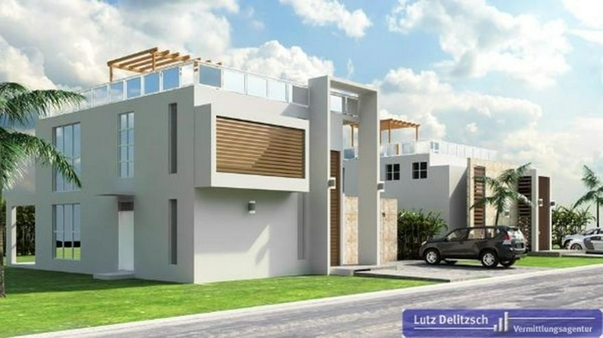 Neubau Haus Mit Pool In Einer Anlage Am Strand In Juan Dolio Auf