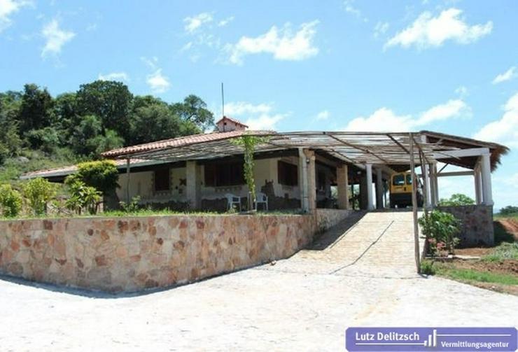 Haus mit großem Grundstück in Carapegua