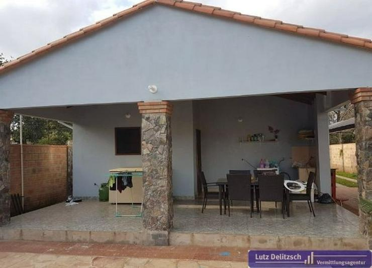 Haus mit Pool und Verkaufsraum in San Lorenzo