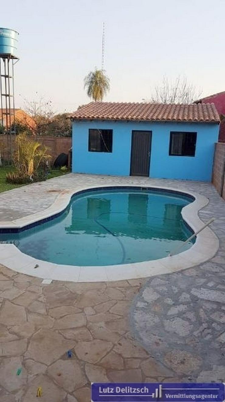 Bild 2: Haus mit Pool und Verkaufsraum in San Lorenzo