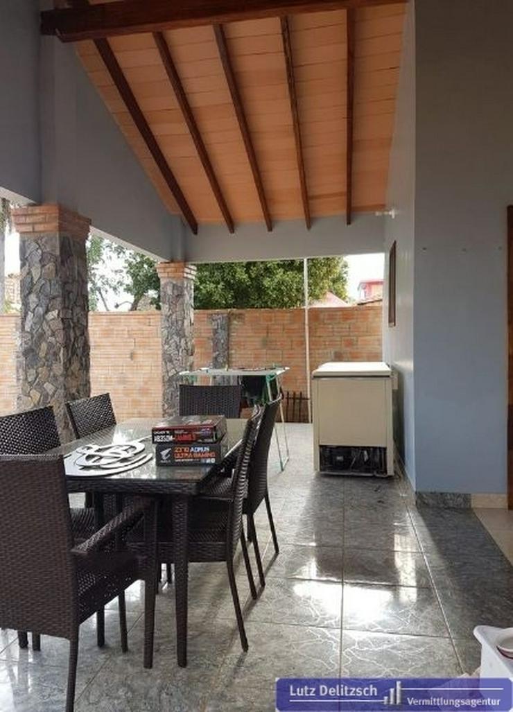 Bild 6: Haus mit Pool und Verkaufsraum in San Lorenzo