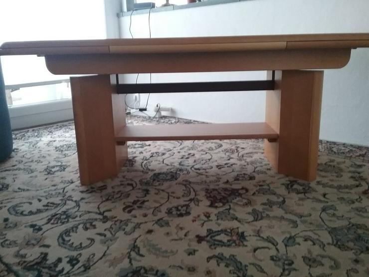 Massiver Tisch