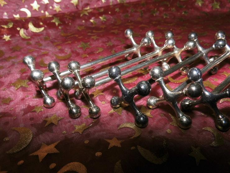 Bild 2: 6 antike Jugendstil Messerbänke H.D.R. Metal B