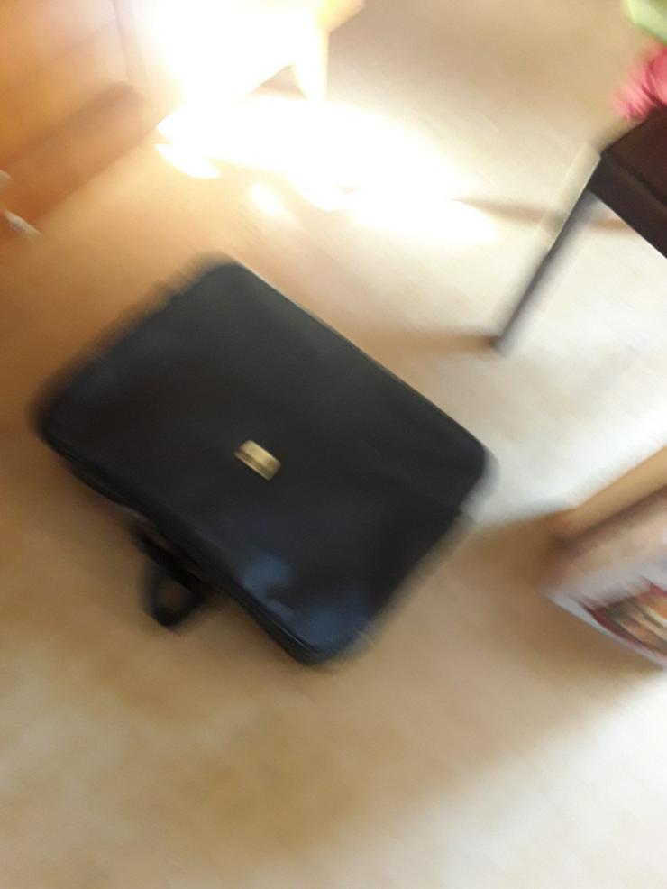 Bild 2: Koffer aus DDR Zeiten