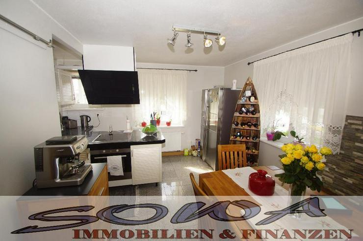 TOP renovierte 4 Zimmer Wohnung mit 2 Bädern, Balkon und neuer Einbauküche von ihrem Imm... - Bild 1