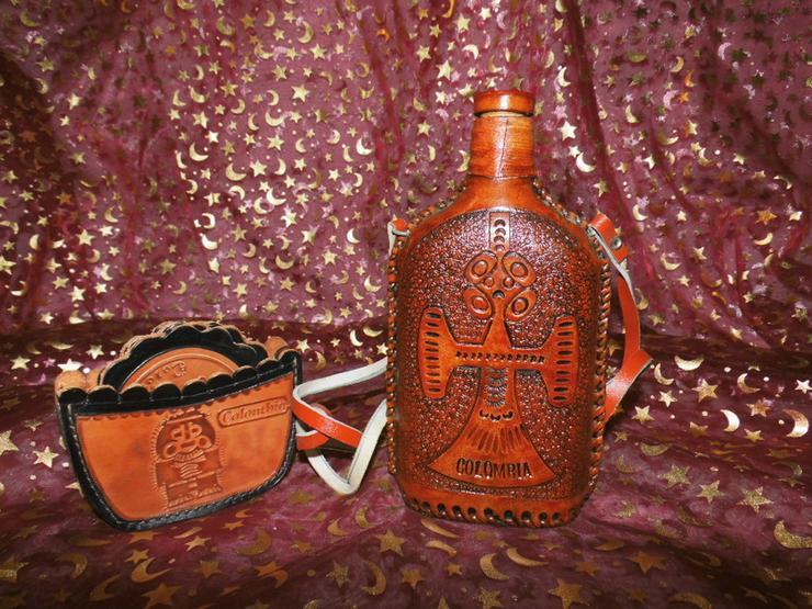 Souvenir Set Schnapsflasche und Untersetzer Le