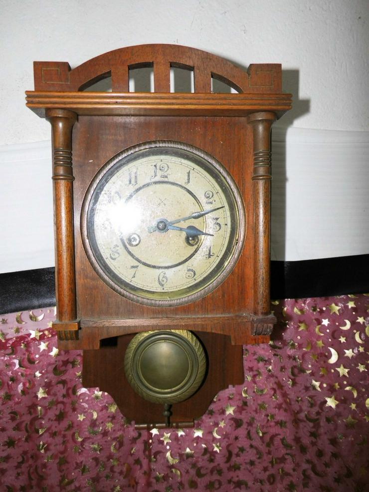 Antike Wanduhr aus Holz / Uhr Deutschland um 1
