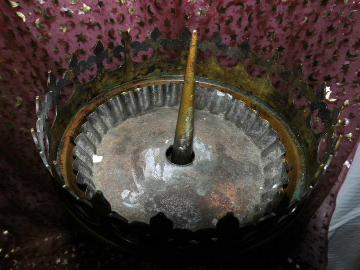 Bild 2: Antiker sakraler Kerzenhalter / Altarleuchter