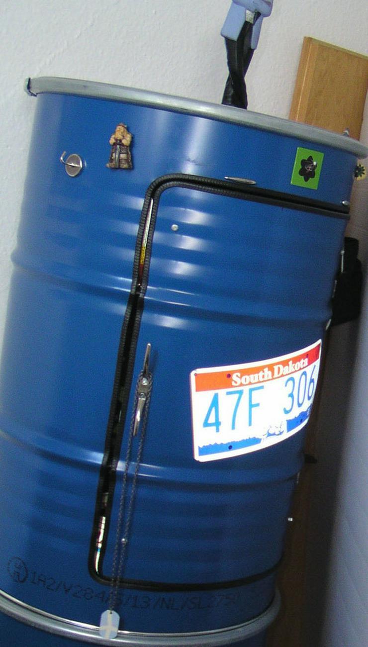 Designer Schrank aus 200 Liter Ölfass Blau us