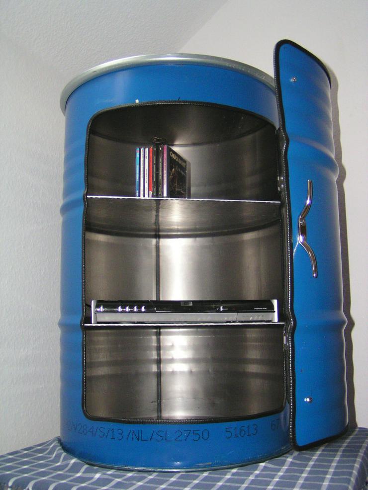 Bild 3: Designer Schrank aus 200 Liter Ölfass Blau us